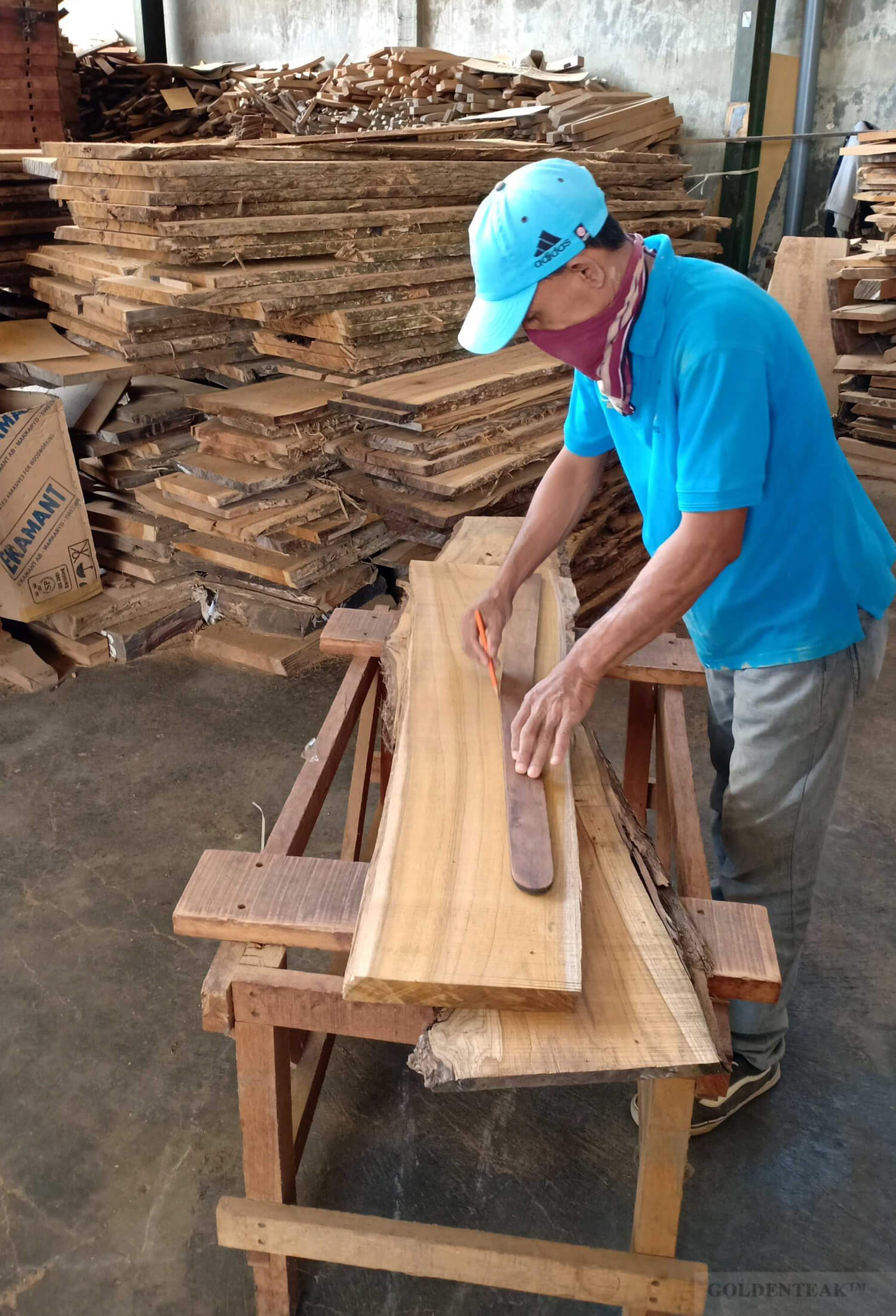 Choosing Heartwood Sections for Grade A Premium Quality Outdoor Furniture - Goldenteak